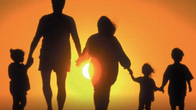 recuerdos a tu familia